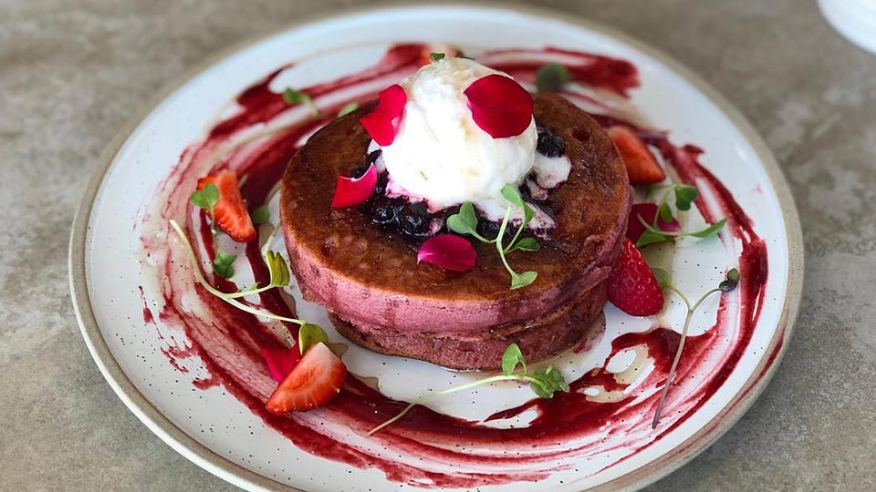 Pound cafe pancakes