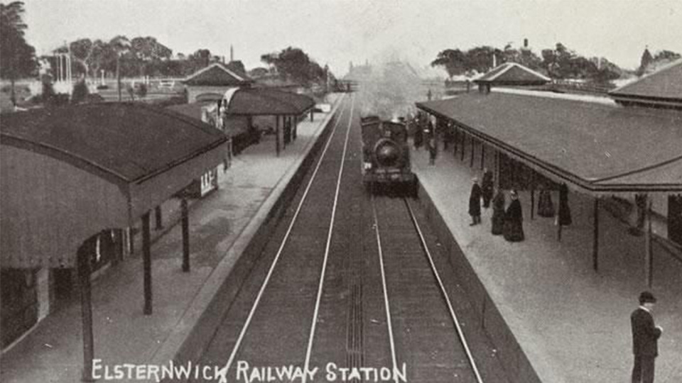 Elsternwick Railway station between 1900 and 1920 (source State Library Victoria)