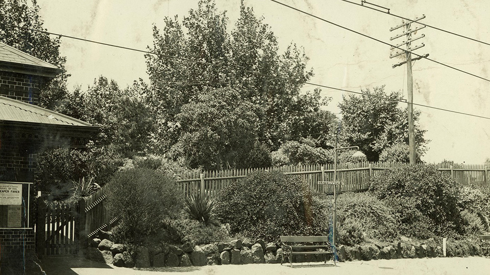 Elsternwick Railway station circa 1914 and 18 (source State Library Victoria)