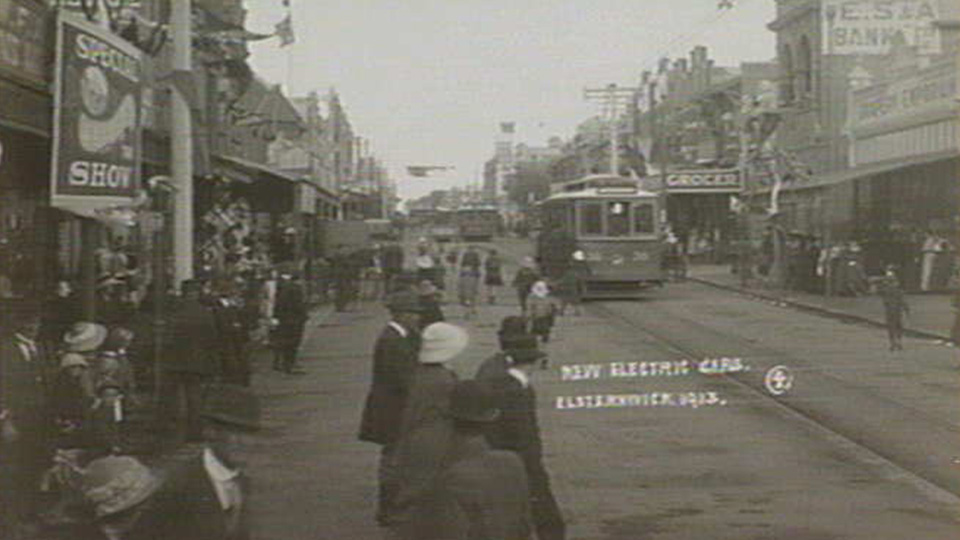 Elsternwick new electric cars 1913 (source State Library Victoria)